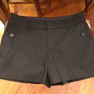 UNIQLO women's black shorts size 6